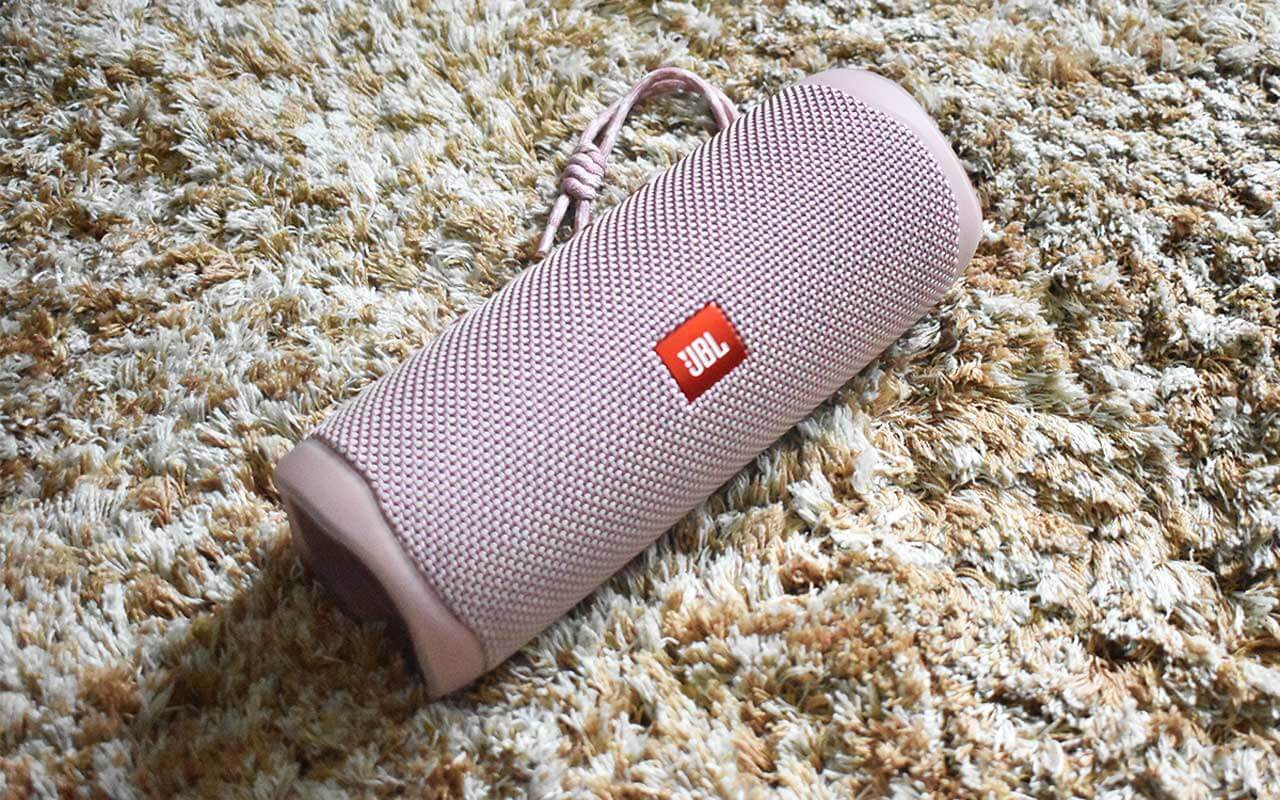 JBL Flip 5 Bluetooth speakers